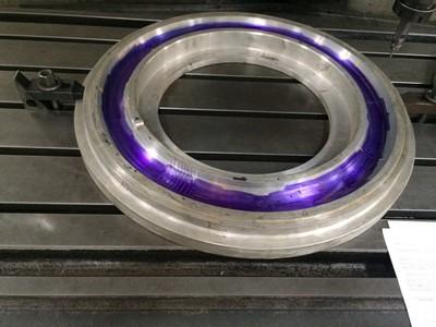 Gravação em moldes de pneu